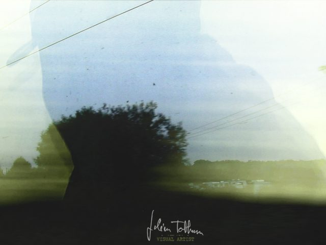 """""""symphony of a passing train"""" un film de Julien Tatham"""